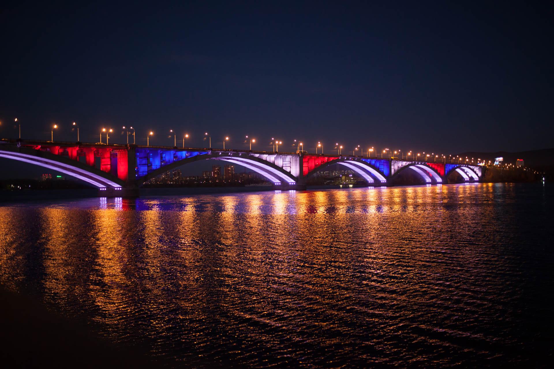 Коммунальный мост подсветка